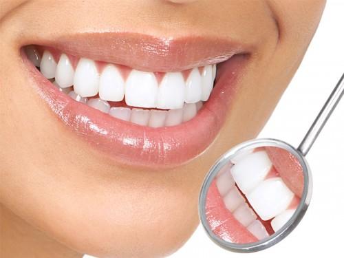 como-tirar-placa-bacteriana-dos-dentes-01