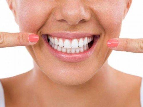 como-tirar-placa-bacteriana-dos-dentes-02