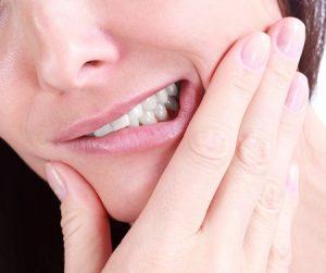 dente-inflamado-rosto-inchado-02