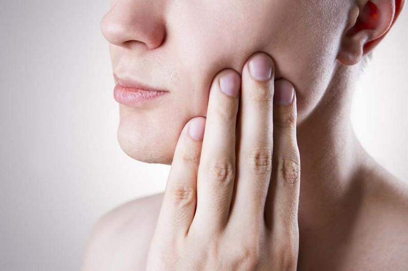 dente-inflamado-rosto-inchado-03