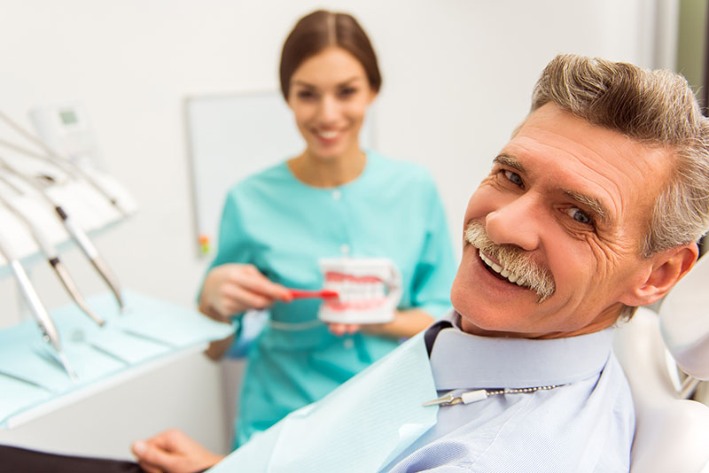 Saiba-tudo-sobre-implante-de-dentadura-03