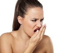 acabar com mau hálito da garganta