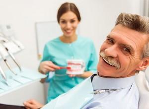 Saiba tudo sobre implante de dentadura