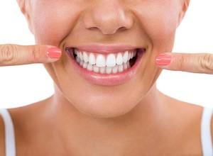 plano odontológico com clareamento
