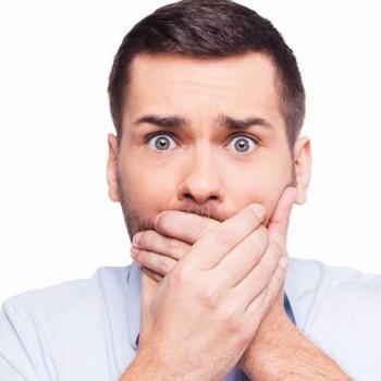 Causas do mau hálito crônico