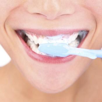 Como eliminar mau hálito na boca