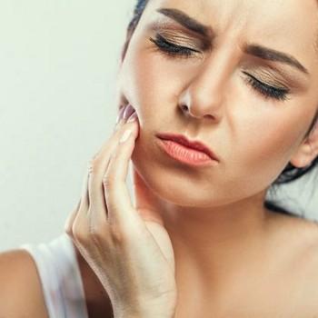 Dor de dente gengiva inflamada
